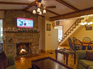 OVR's Hunterwood Retreat! Sleeps 17! Minutes from Ohiopyle! Hot Tub! - Ohiopyle vacation rentals