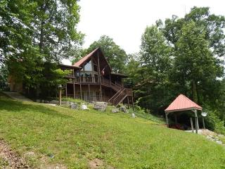 The Perfect Getaway is a Norris Lake vacation cabin with the name that suits it... perfectly! - La Follette vacation rentals