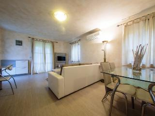 Nice Condo with Internet Access and Balcony - Funtana vacation rentals