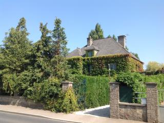 Adorable 7 bedroom House in Saint-Floxel with Internet Access - Saint-Floxel vacation rentals