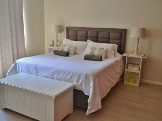 Luxury, 2 bedroom, fully furnished apartment - Western Cape vacation rentals