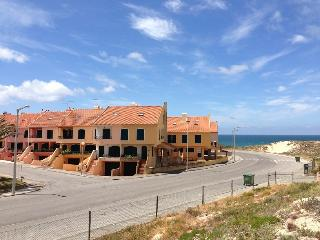 Supertubos Houses - Peniche vacation rentals