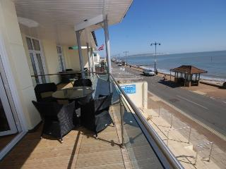 Beach side apartment with balcony & seaviews - Shanklin vacation rentals