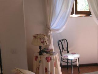 Romantic 1 bedroom Condo in Orvieto with Internet Access - Orvieto vacation rentals