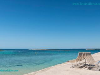 3 bedroom Condo with Long Term Rentals Allowed in Puerto de Alcudia - Puerto de Alcudia vacation rentals