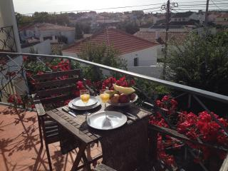 Romantic Apartment in Cascais with Short Breaks Allowed, sleeps 4 - Cascais vacation rentals