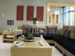 LUCKY CHARM *JORDAN* TST* PRIME LOCATION*BUDGET*3bed2bath - Hong Kong vacation rentals