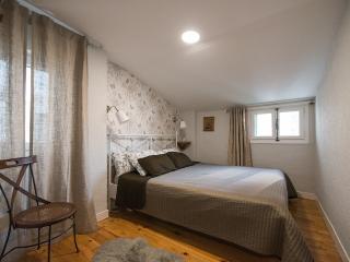 Beautiful 2 bedroom Apartment in Pamplona - Pamplona vacation rentals