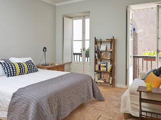 Casas do Arco - Casa dos Mapas - Coimbra vacation rentals