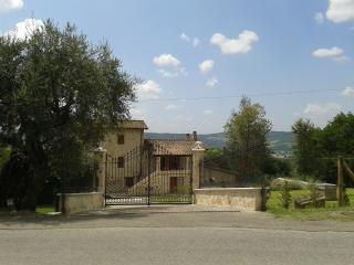 12 bedroom House with Internet Access in Penna in Teverina - Penna in Teverina vacation rentals