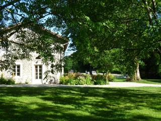 Domaine du Cholet, La Bergerie - Saint-Laurent-en-Royans vacation rentals