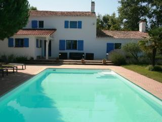 Nice Gite with Internet Access and Satellite Or Cable TV - Sallertaine vacation rentals