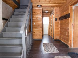 Kickback Cottage- Clean & Simple w/Hot Tub 38R - Blue Mountains vacation rentals