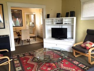 Great location, 1705 Berkeley, 1 block N from UCB - Berkeley vacation rentals