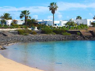 Beautiful Villa with Balcony and Grill - Caleta de Sebo vacation rentals