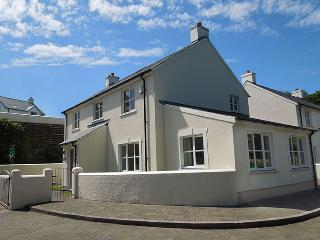 Five Star Child Friendly Holiday Home - Bryn y Mor, Little Haven - Pembrokeshire vacation rentals