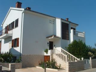 Comfortable apartment in Stari Grad - Stari Grad vacation rentals
