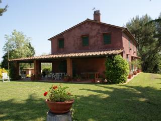 Tuscany country house - Lorenzana vacation rentals