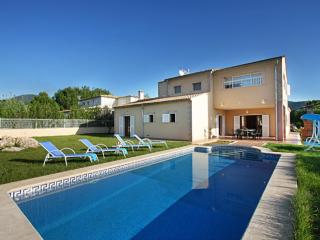 House in a quiet area with private pool and garden - Sa Pobla vacation rentals