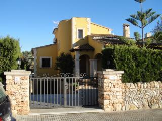 Villa Es Cranc only 500 meters from the beach - Sa Rapita vacation rentals