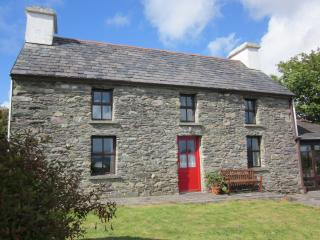 4 bedroom Farmhouse Barn with Water Views in Kilcrohane - Kilcrohane vacation rentals