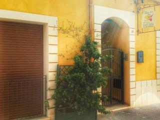 B&b comodo ed accogliente - Vittoria vacation rentals
