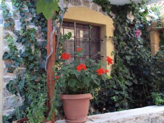 Cozy Makry-Gialos vacation Villa with Water Views - Makry-Gialos vacation rentals