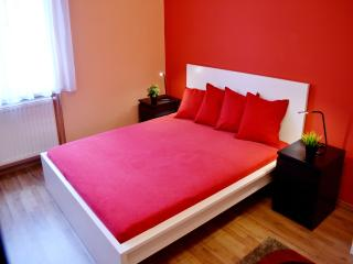 Cleopatra – Charming flat in the heart of Budapest - Budapest vacation rentals