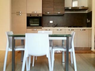 Cozy 2 bedroom Apartment in San Remo - San Remo vacation rentals