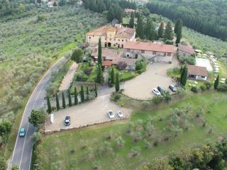 Country house close to Florence, shared pool, sleeps 5 - Strada in Chianti vacation rentals