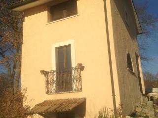 Romantic 1 bedroom Vacation Rental in Scurcola Marsicana - Scurcola Marsicana vacation rentals