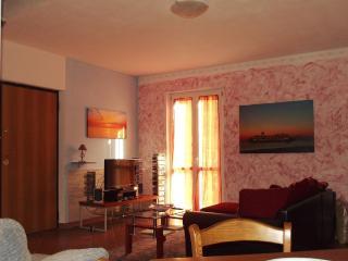Luce Stellata - Merope holiday home with garden - Podenzana vacation rentals
