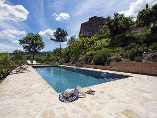 Nice Condo with Internet Access and Shared Outdoor Pool - Todi vacation rentals
