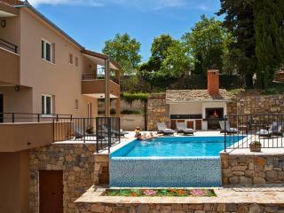 Luxury villa vith whirpool - Omis vacation rentals