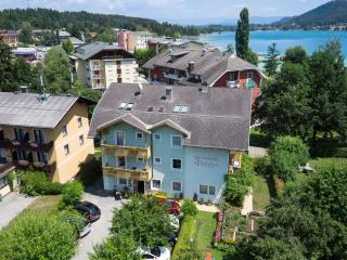 Nice Condo with Deck and Satellite Or Cable TV - Sankt Kanzian vacation rentals