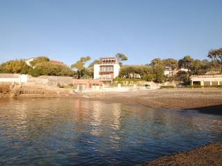 Villa Angolino- trilocale piano terra con giardino - Castiglioncello vacation rentals