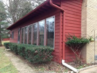 1st Choice Cabin - Red Cardinal - Hocking Hils Oh - Nelsonville vacation rentals