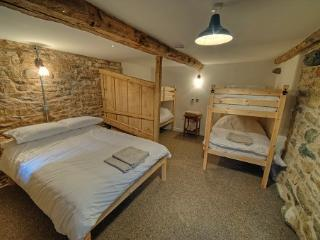 Romantic 1 bedroom Askham Cottage with Internet Access - Askham vacation rentals