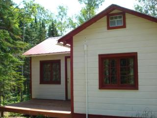 Grand Marais area on scenic NorthShore drive renov - Hovland vacation rentals