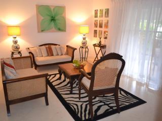 Gated 2-Bedroom Poolside Apartment By Beach - Cas En Bas vacation rentals