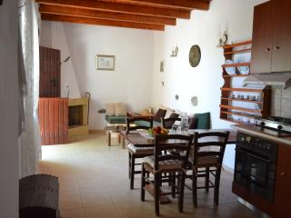 2 bedroom House with Internet Access in Pefki - Pefki vacation rentals