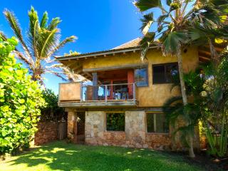 Paia Baby Beach Hale romantic cottage for 2 - Lahaina vacation rentals