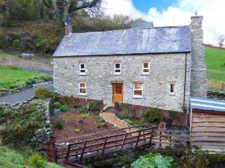 CWMLLECHWEDD UCHAF, detached, Grade II listed farmhouse, peaceful, country location, two woodburners, WiFi, near Llanilar, Ref 9 - Ceredigion vacation rentals