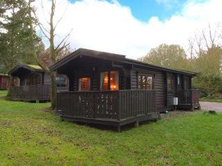 PHEASANT LODGE, detached lodge, all ground floor, on-site golf course, leisure facilities available nearby, near Louth, Ref 918993 - Legbourne vacation rentals