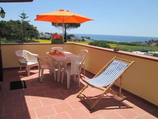appartamento con terrazzo panoramico - Taranto vacation rentals