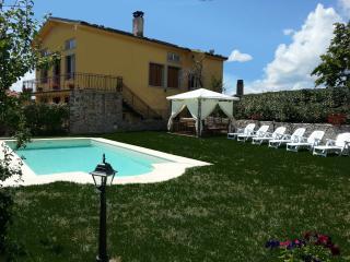 Villa Monticello, Private Pool, Montefegatesi - Montefegatesi vacation rentals