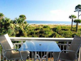 116 Breakers - Cute, 1st floor DIRECT oceanfront - Hilton Head vacation rentals
