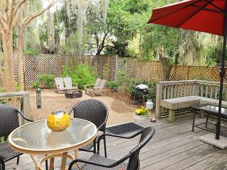 Cozy Coastal Home, Short Walk to Downtown Beaufort - Beaufort vacation rentals