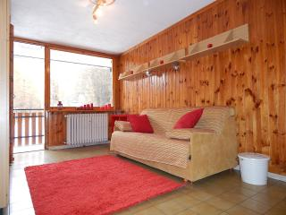 Nice Townhouse with Television and Central Heating - Salice D'Ulzio vacation rentals