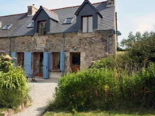 Charming 2 bedroom House in Plemet - Plemet vacation rentals